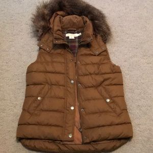 H&M Brown Puffer Vest / Size US 6